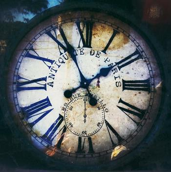 paris clock